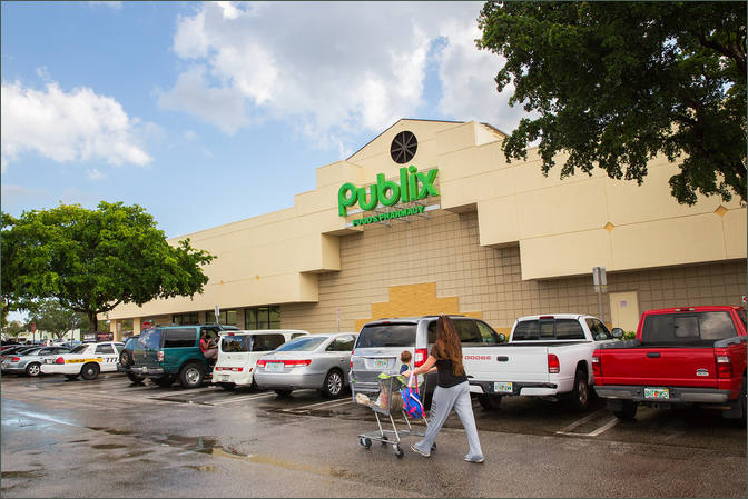Available Retail Space Lighthouse Point FL Next to Publix - Venetian Isle Shopping Center