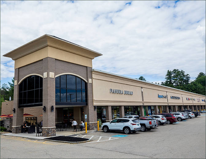 Commercial Retail Space For Lease - Bedford Grove Hillsborough County New Hampshire