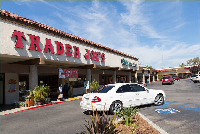 Commercial Space for Lease Camarillo CA Next to Grocer - Carmen Plaza