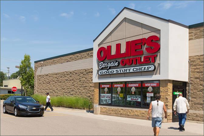 Commercial Real Estate – Pad Available - Farmington Crossroads – Oakland County Michigan
