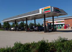 Shopping Center Space for Lease Next to Gas Station Elk Grove Town Center – Cook County Illinois