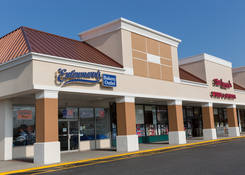 Retail Storefront for Rent Parkway Plaza - Carle Place NY – Nassau County
