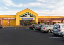 Storefront for Lease Atlanta GA – North East Plaza
