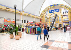 Salon Space for Lease Miami FL - Mall at 163rd Street