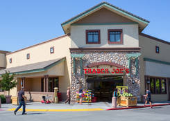 Retail Space for Lease – University Mall – Davis California next to Grocer Trader Joe's